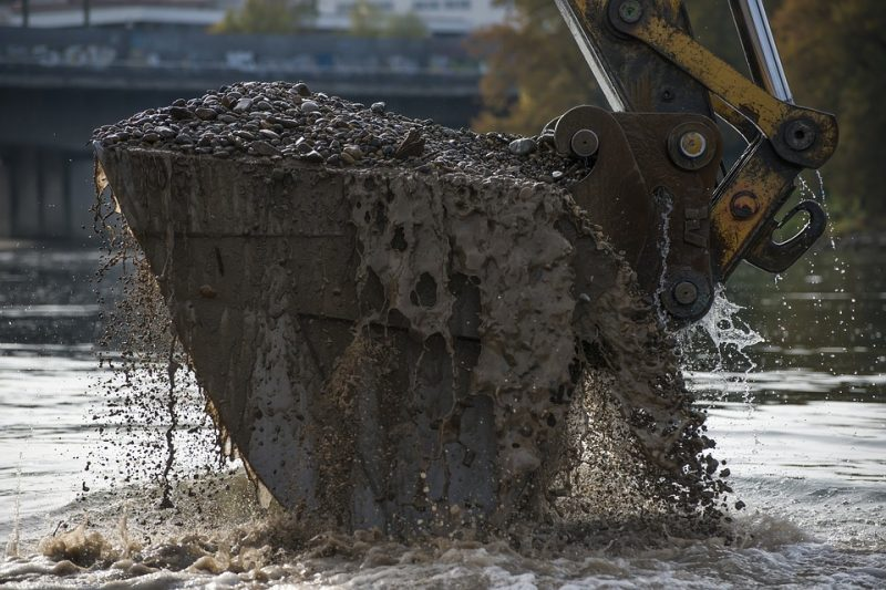excavator vs hydrovac_advanced line systems